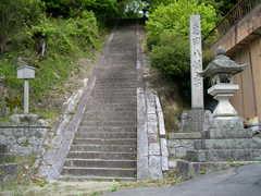 山里の神社�@.JPG