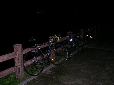夜の水源公園.JPG